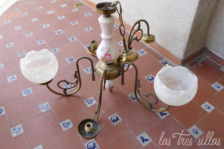 las_tres_sillas_lampara_flora (1)