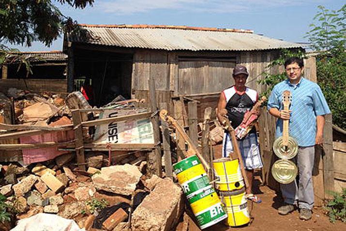 las_tres_sillas_orquesta_instrumentos_reciclados_cateura_paraguay_ (16)