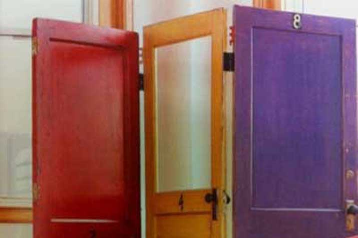 Biombos muebles reciclados a partir de puertas las tres - Puertas de biombo ...