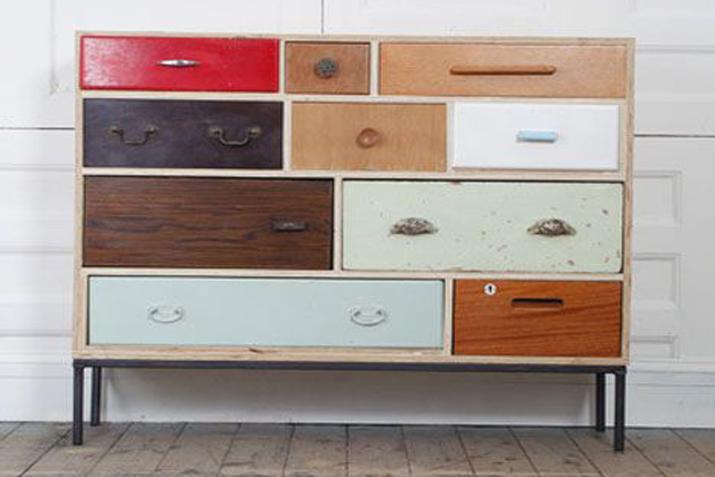 Muebles reciclados con cajones las tres sillas for Muebles reciclados para un estilo industrial