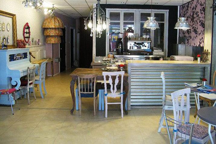 las_tres_sillas_cafeterias_muebles_recuperados (3)