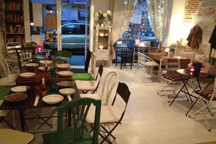 las_tres_sillas_cafeterias_muebles_recuperados (6)