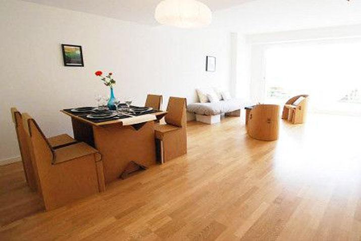 Empresas punteras en alquiler de muebles las tres sillas for Muebles para empresas