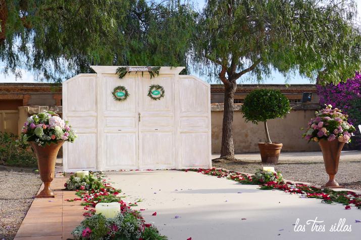 las_tres_sillas_alquiler_puerta