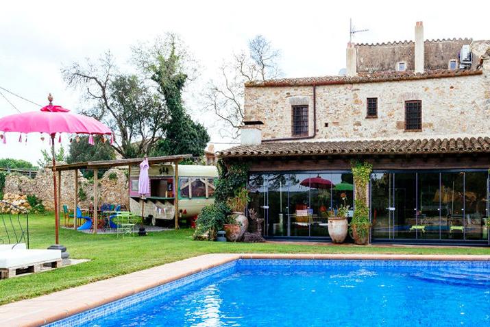 las_tres_sillas_decoracion_hotel_can_casi_muebles_reciclados (2)