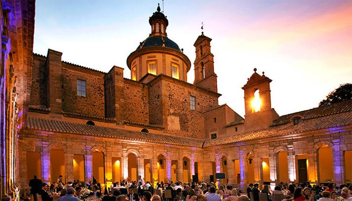 las_tres_sillas_lugares_originales_bonitos_bodas_valencia_cartuja_ara_christi