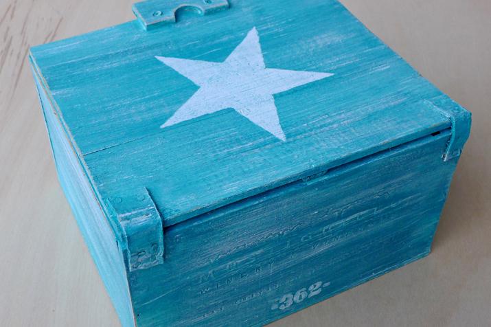 caja_azzurra_las_tres_sillas_3_portada